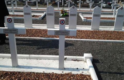tombes soldats divers